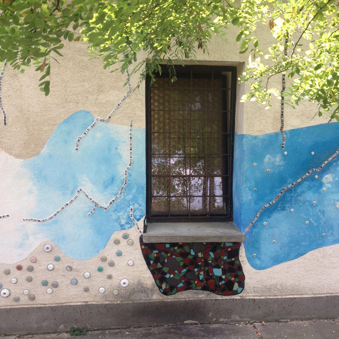 Köztér18 wall 06