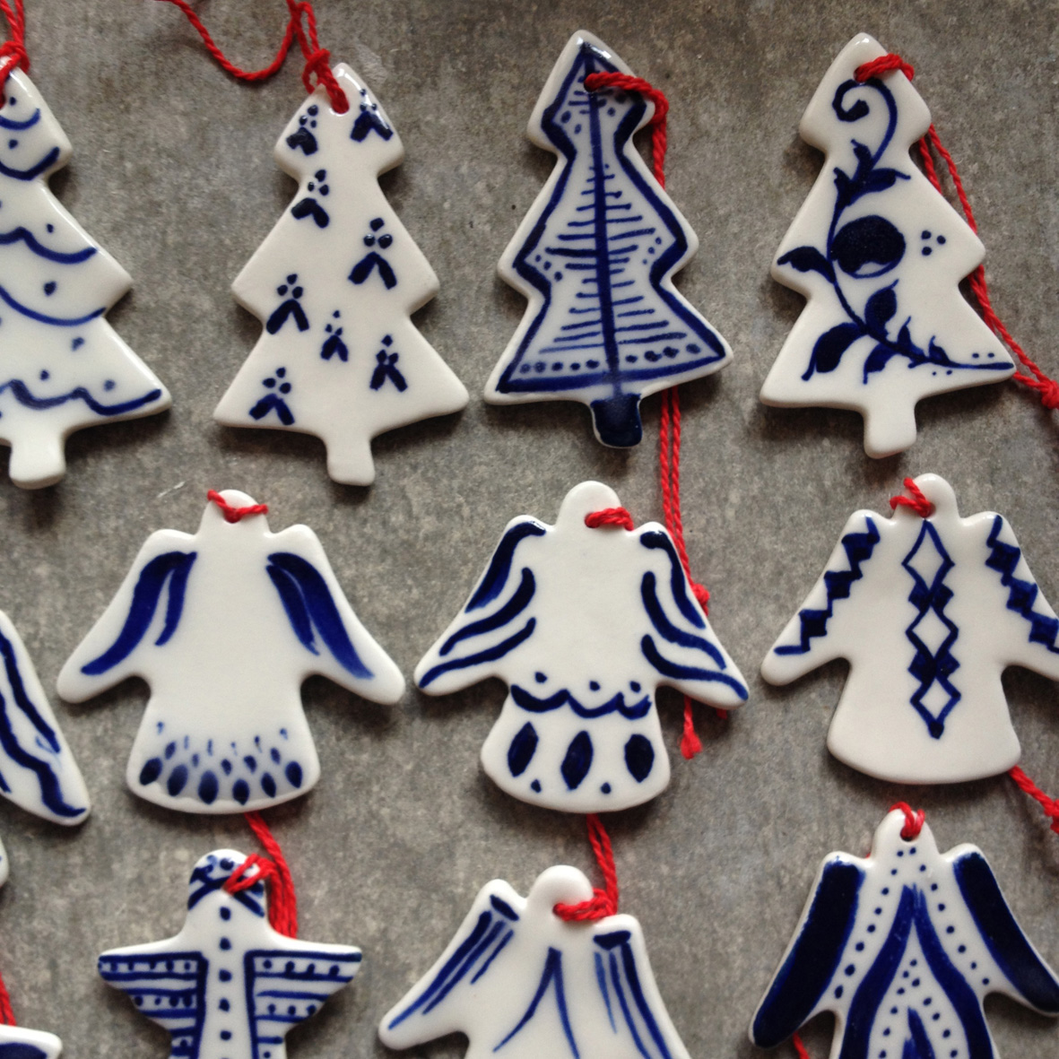 painted-porcelain-christmas-decorations-10