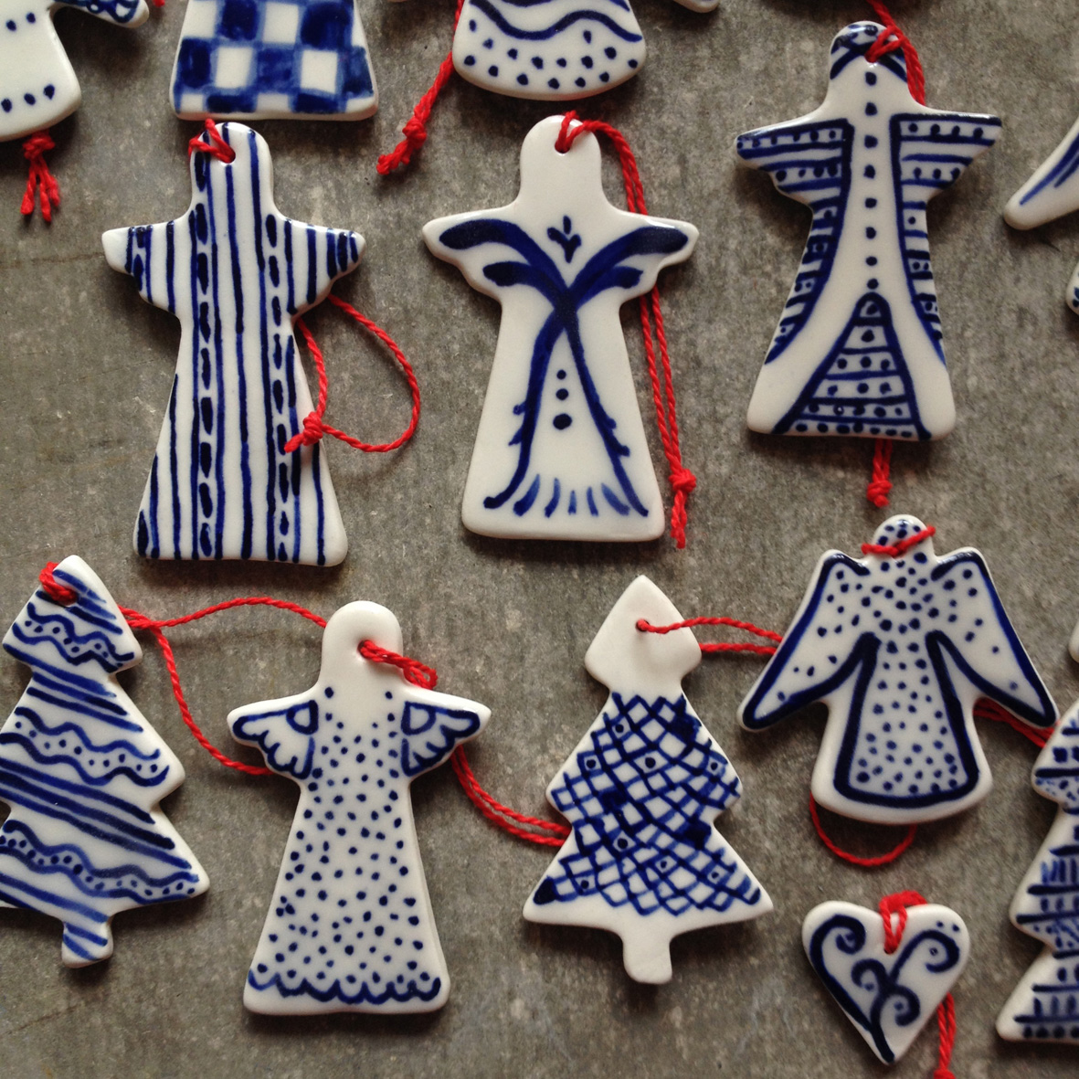 painted-porcelain-christmas-decorations-11