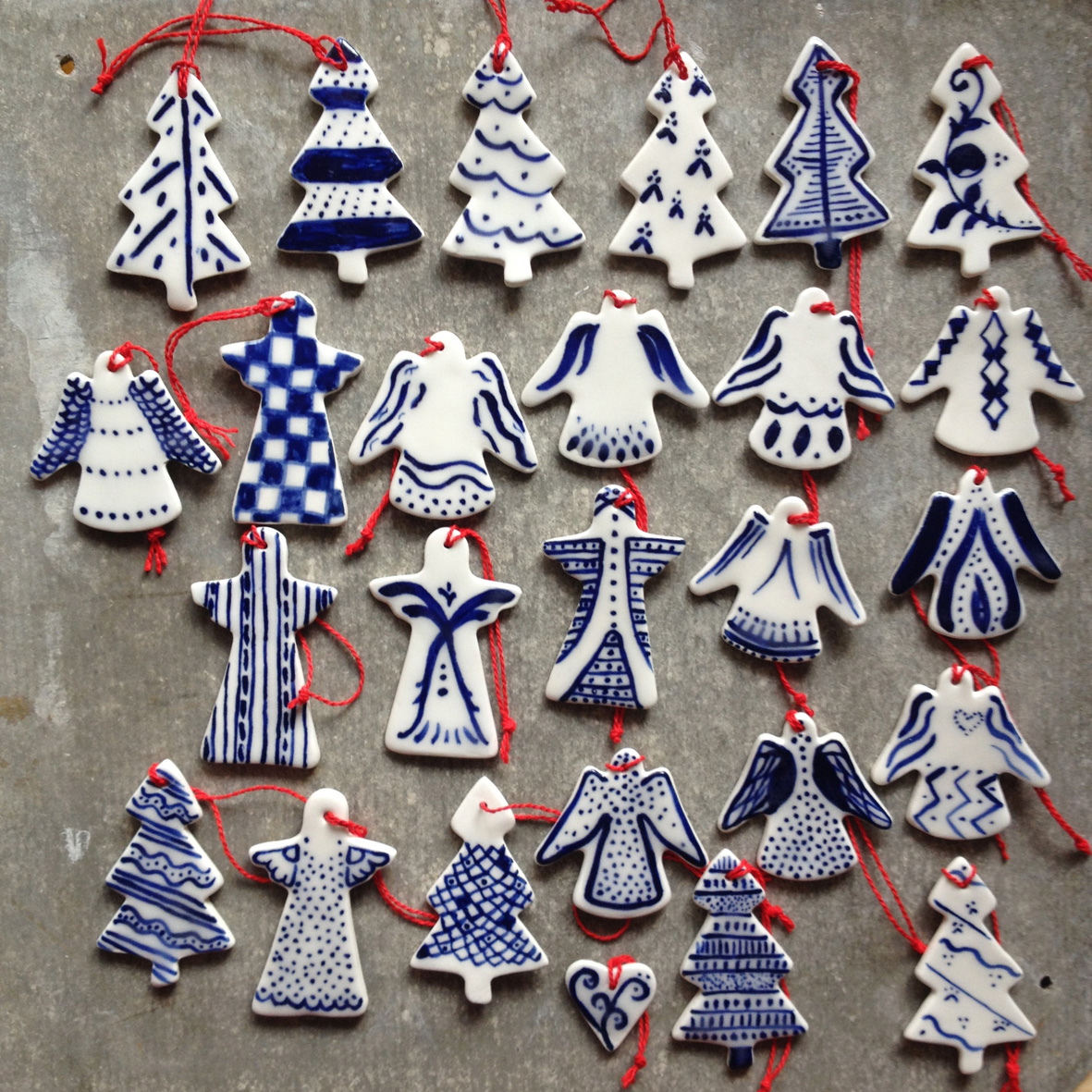 painted-porcelain-christmas-decorations-12